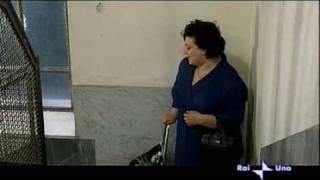 da 'Vedo nudo' - 1969 - Episodio 'Ornella' - La vicina impicciona