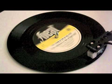 Elvis Costello - I Can't Stand Up For Faling Down - Vinyl Play mp3