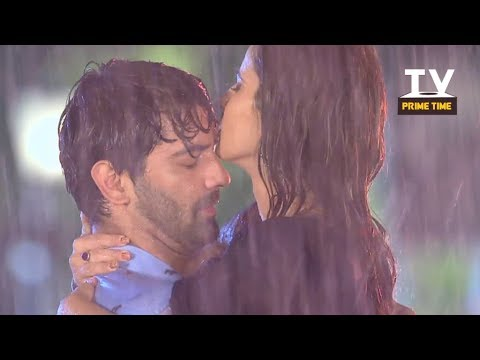 Chandni and Advay Romantic Rain Kiss | Iss...