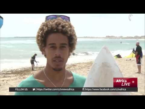 28963 sport gelände aus 003 003 CCTV Afrique Cape Verde Island's surfing world champion riding the w