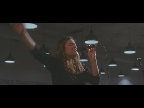 Faith And Wonder + Tremble (Spontaneous) - UPPERROOM