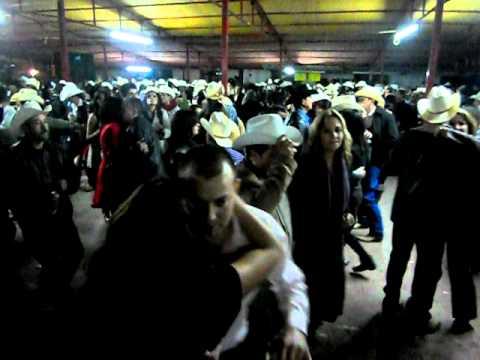 Download SAHUARIPA BAILE DE AÑO NUEVO  31/12/10.AVI
