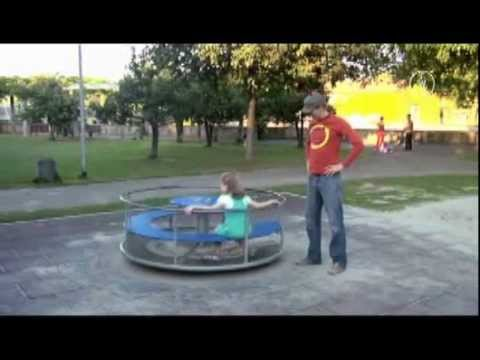 FWU - Körper in Bewegung - Drehbewegung - YouTube