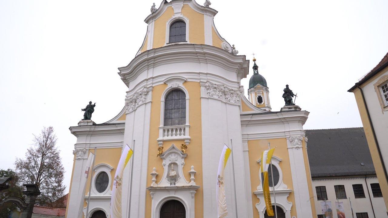 """Eine Kirche wird """"Basilica Minor"""""""