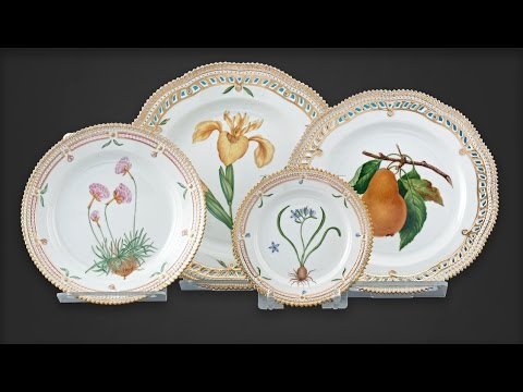 Flora Danica Porcelain Dinner Service, 119 pieces  from M.S. Rau Antiques