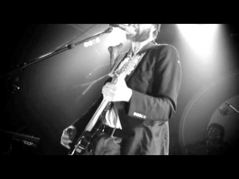 Studio Brussel: Admiral Freebee - Always On The Run (live in Club 69)