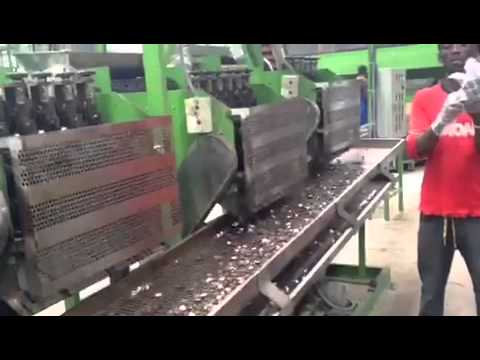 Full automatic cashew shelling machine