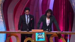 ayushmann khurrana and sonu nigam sing together for fans at the peoples choice awards 2012 hd
