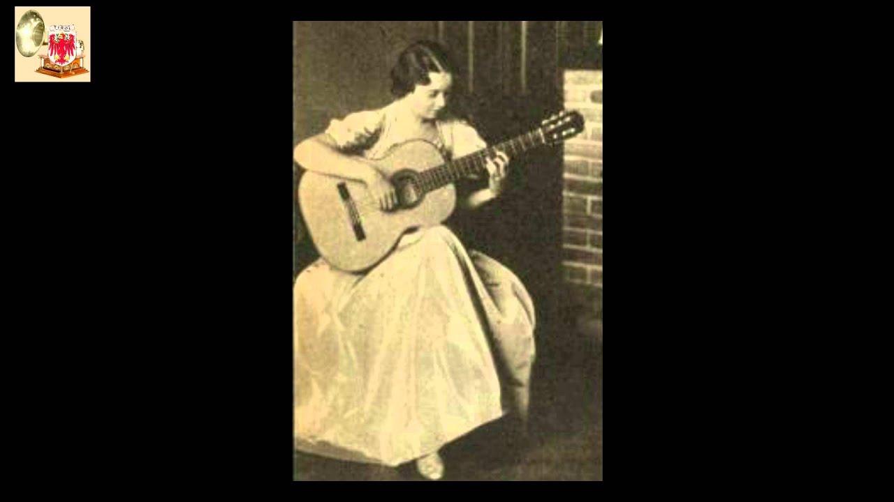Luise Walker, die österreichische Gitarristin