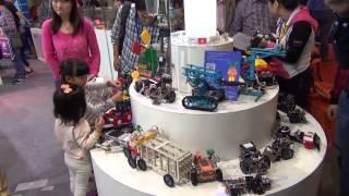 Игры и обучение. Детские стенды на выставке China Hi-Tech Fair