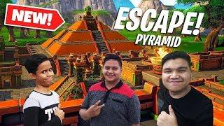 ESCAPE the PYRAMID to Survive! - (Fortnite Malaysia) w/ Izzul & Ukiller