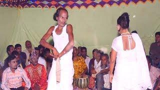 বাংলাদেশের গ্রামের ঐতিয্য বয়াতি গান।  যা নব্বই দশকে খুবই জনপ্রিয় ছিল। আপনিও দেখেনিন একবার ।