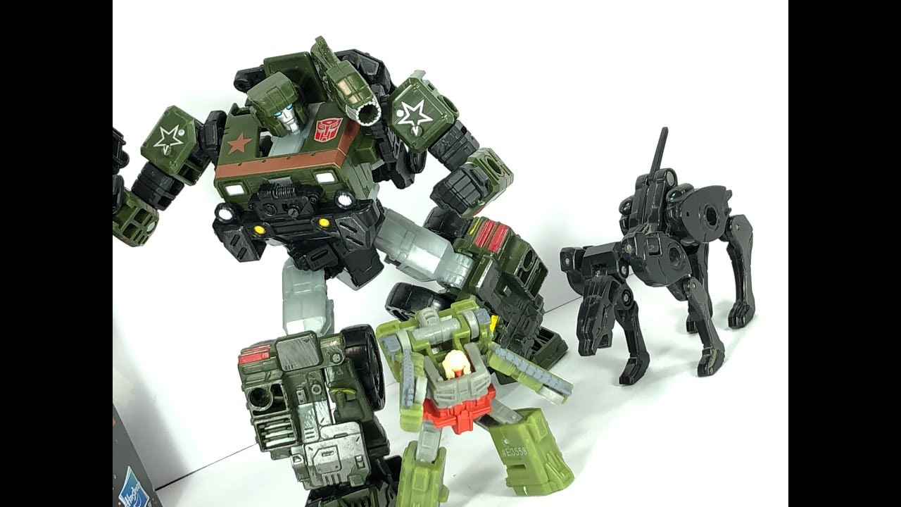 Hasbro Transformers Siège Deluxe Hound complet