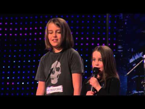 Видео, Девочка 6 лет поет рок кожа зомби