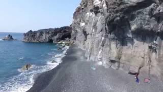 三宅島でのロッククライミングをドローンで撮ってみました。