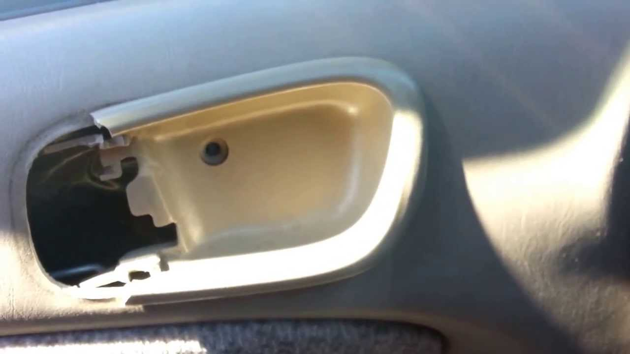 Replacing the interior driver u0027s side door handle of a 2000 toyota corolla youtube
