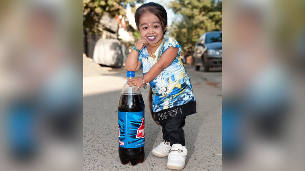 The smallest woman in the world 75