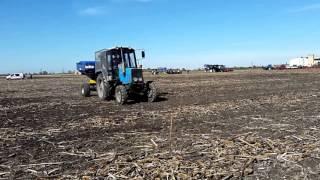 Трактор МТЗ 920 і розкидувач РМД-3000 ''УРОЖАЙ''