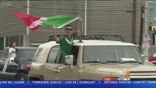 Baixar Rowdy Celebrations Follow Mexico's World Cup Win Over Germany