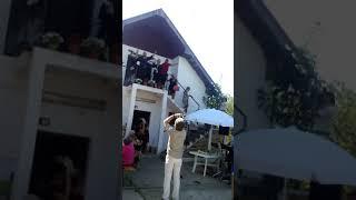 Evo ide nevesta ...izlazak mlade ,Nis 15.09.2017, pesmu izvela  Dragana  Zezelj