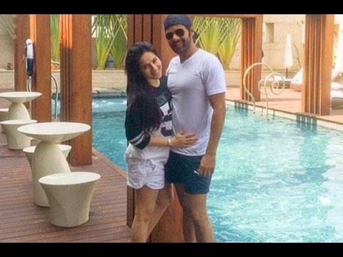 Romantic Vibes! Shabir Ahluwalia gets cosy with wife Kanchi Kaul on their trip to Maldives