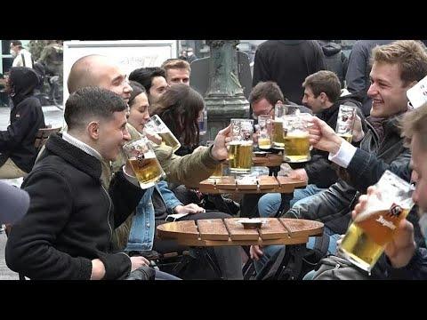 شاهد: البلجيكيون يعودون إلى المقاهي والحانات بعد 7 أشهر من الإغلاق…  - نشر قبل 3 ساعة