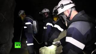 МЧС проводит операцию по спасению рабочего, заблокированного в шахте под Челябинском