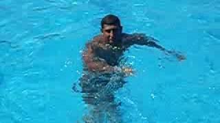وائل فى اقوى عروض السباحة