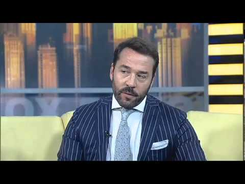 Jeremy Piven as Ari Gold, author of 'The Gold Standard'