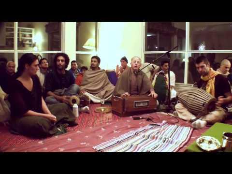 Bhajan - Mukunda Datta das - Gurudev, Kripa Bindu Diya