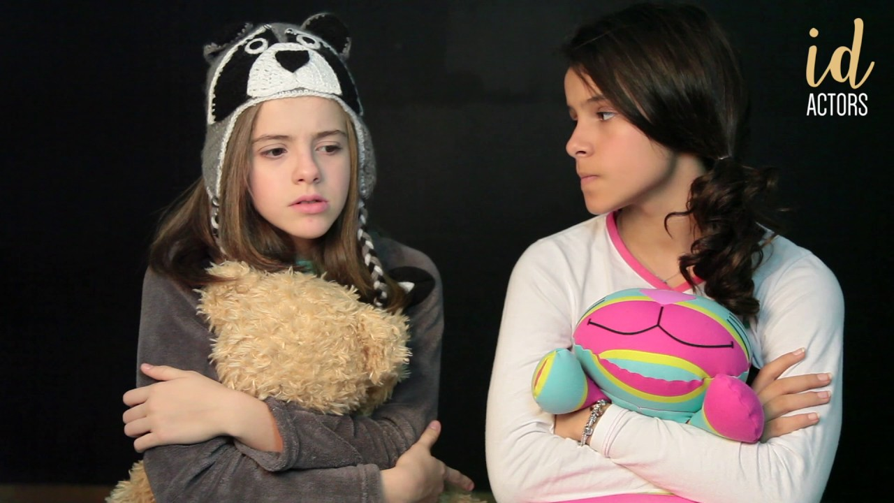 Download Jullia Svacinna e Gabriella Saraivah