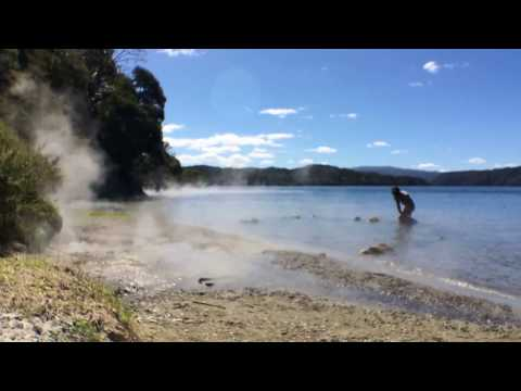 New Zealand Part 1 - Lake Tarawera [Hot Water Beach]