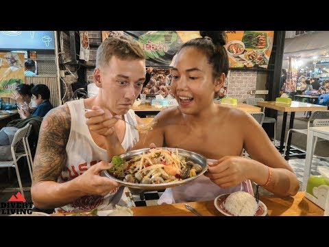 BEST Local Bangkok Night Market | Unique Street Food Thailand | 🇹🇭