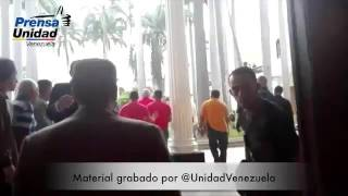 Jorge Rodriguez expulsado tras atacar la asamblea CHISMEVEN.NET