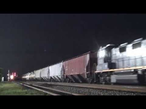 CSX Mixed Freight with 9 Engines Saint Albans, WV [HD]