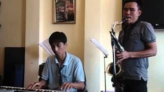 """Saxophone -""""Bỏ ngài con biết theo ai"""""""