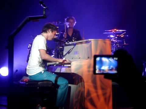 Muse - I Belong to You (Casino de Paris)