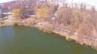 Полет над летним озером в Калининграде(На этом озере в Калиниграде собираются разные виды птиц, такие как лебеди, чайки, утки и многие другие. ..., 2016-04-01T14:34:12.000Z)