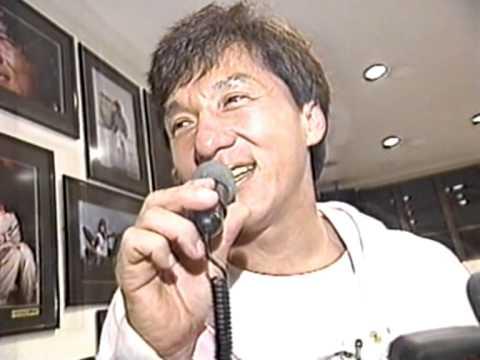 Jackie Chan sings Japanese Karaoke