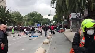 policias del DF golpean y empujan a reporteros new york times!! (hoy)