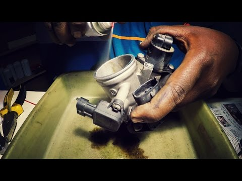 HOW TO CLEAN THE THROTTLE BODY AND FUEL INJECTOR | KTM DUKE 390 |