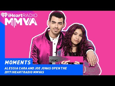 Alessia Cara and Joe Jonas Open the MMVAs | 2017 iHeartRadio MMVAs