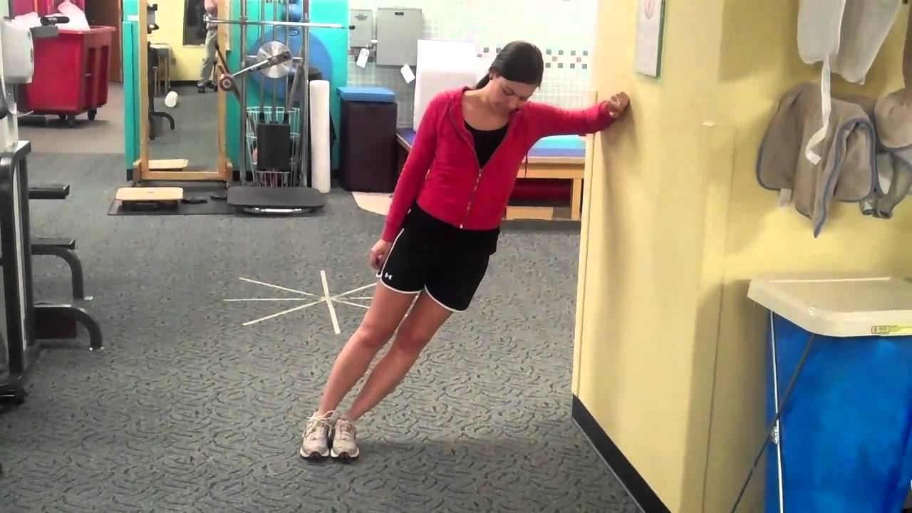 Iliotibial Band Syndrome: 3 Common Stretches - YouTube
