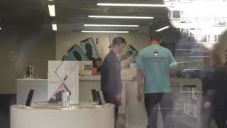 Пранк в магазине Apple. Edward Bil Prank.