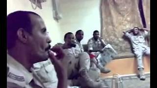 عسكري سعودي يغني موال عراقي