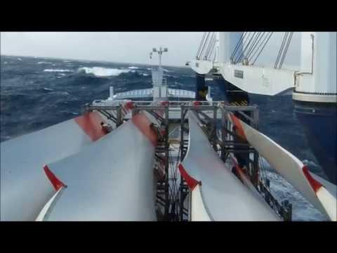 Storm on the atlantic ocean    (MV.Atlantic / Global seatrade)