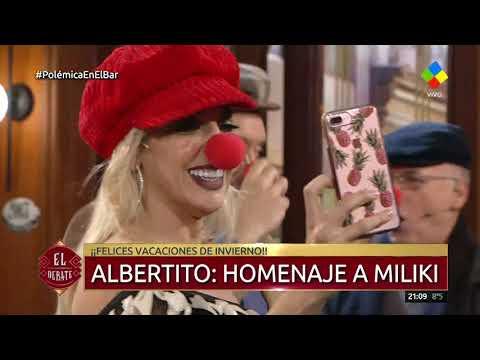 Albertito homenajeó al gran Milikien Polémica en el Bar