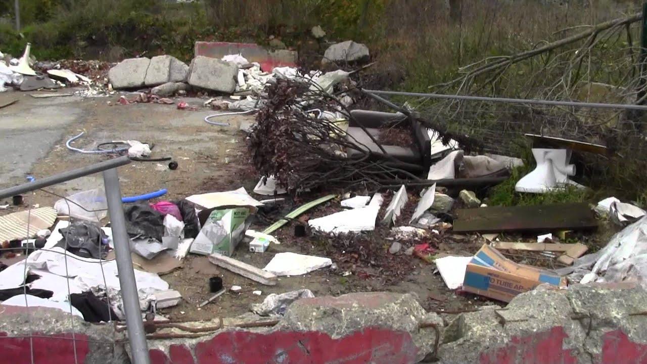 AulnaysousBois se transforme en décharge sauvage près de Bricoman  ~ Bricoman A Aulnay Sous Bois