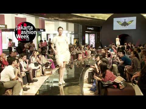 Jakarta Fashion Week 2012 : Young Thai Designer