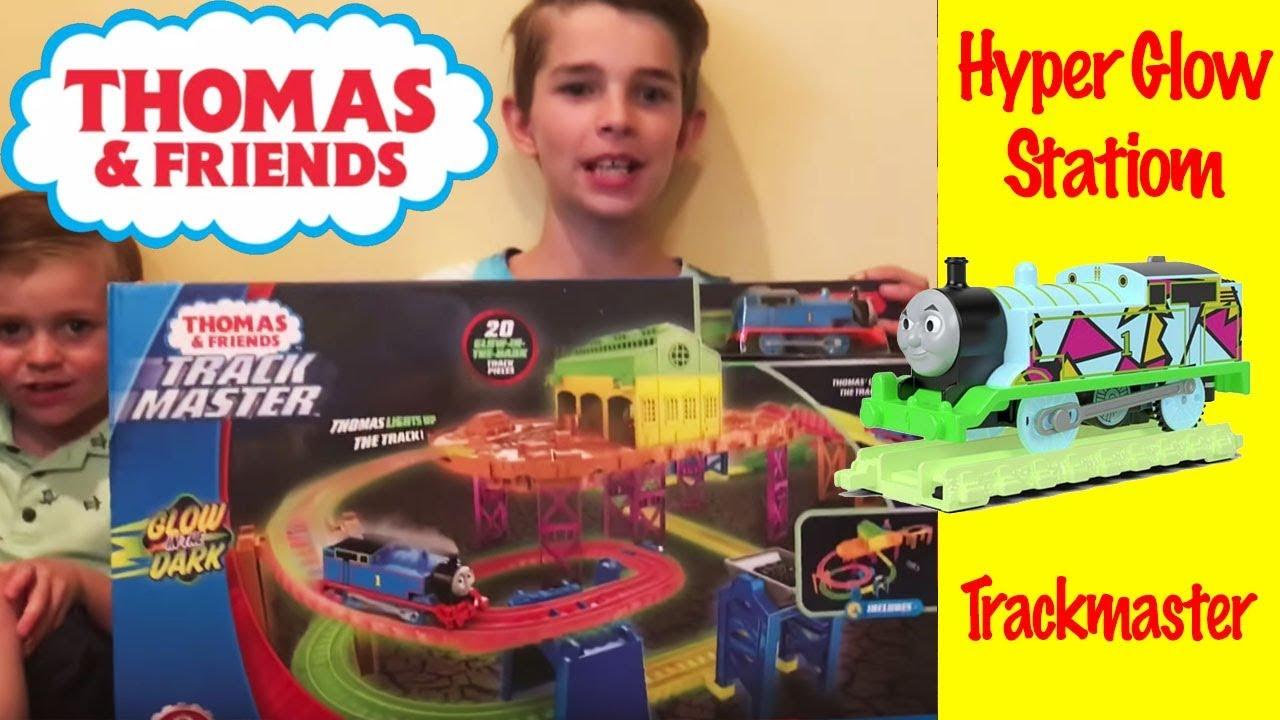 homas /& Friends Thomas Hyper Glow TrackMaster Thomas Train